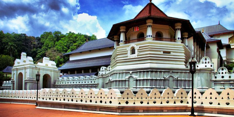 kandy_temple_of_tooth